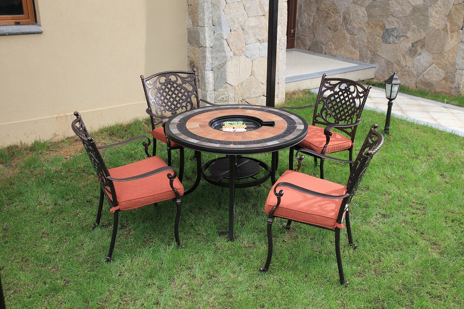 Cast Aluminum Round Dining Set