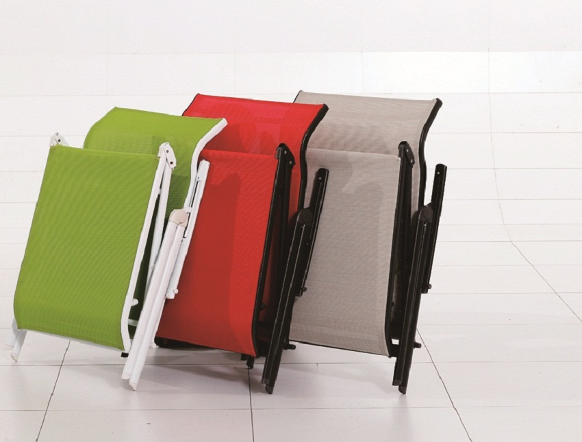 color ful lounger