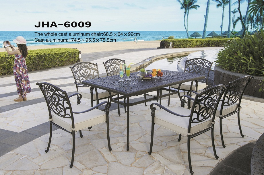 Cast Aluminum Dining Furniture