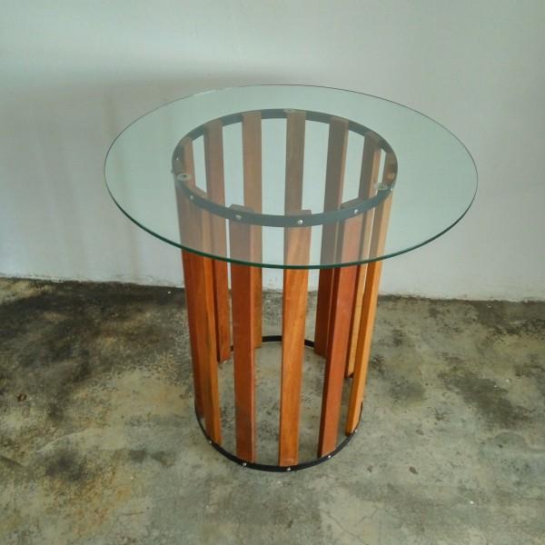 balau-wood-round-table