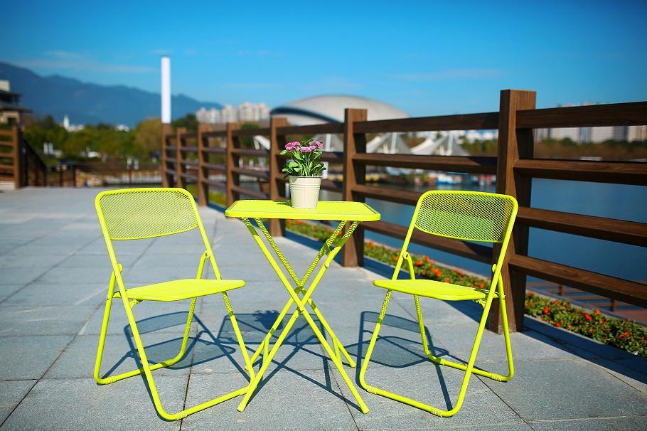 folding patio set