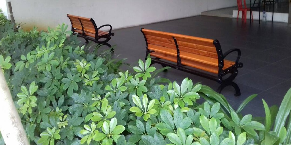 Garden bench supplier