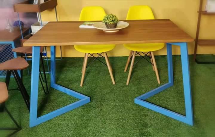 Kylie Restaurant Table